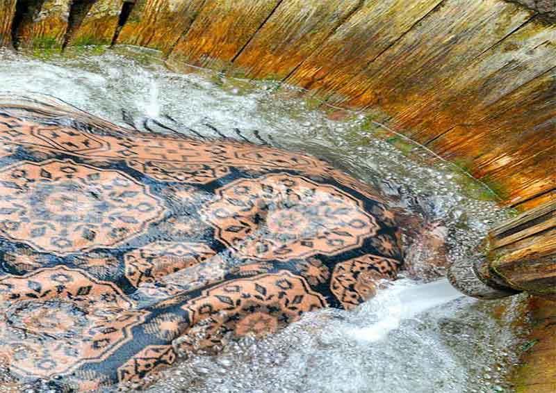 قالیشویی در برغان
